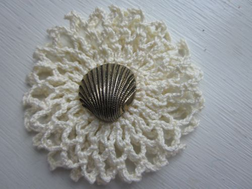 Free Pattern For 1940s Style Crochet Double Ruffle Brooch Verity