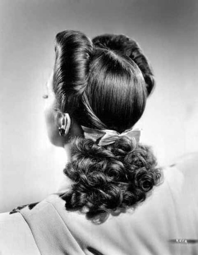 April Tutorial 1940s Hairstyle With Scarf Three Ways